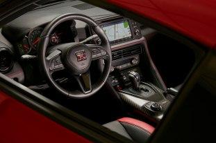2017-Nissan-GT-R-Track-Edition-US-20