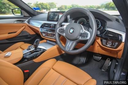 BMW_530i_Int-2_BM