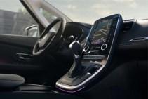 Renault-Scenic-Initiale-Paris-31-850x570_BM