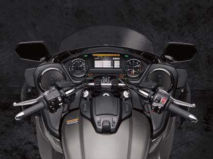 2018-yamaha-star-venture-motorcycle-preview-9 BM