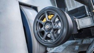 Porsche 911 Turbo S Exclusive carbon wheel-5