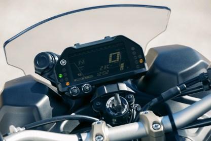 2018-Yamaha-Niken-LMW-Details-15 BM