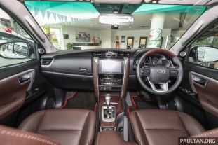 Toyota Fortuner 2.4 TRD 2017_Int-1