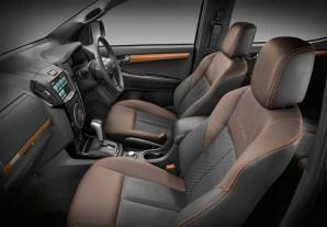 Isuzu D-Max 2017 interior_4