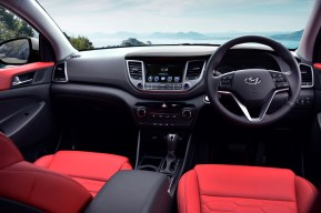 Tucson Premium 4WD (interior)
