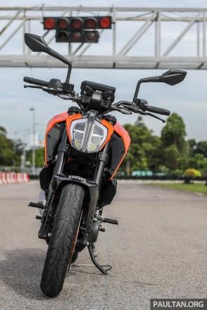 2017 KTM Duke 390-7