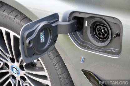 G30 BMW 530e Review 25