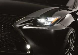 Lexus-RC-300h-F-Sport-Black-Edition-2-BM