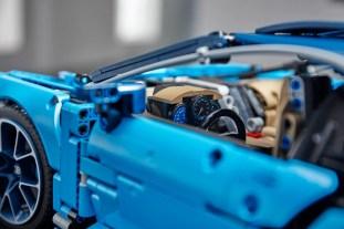 Lego Technic Bugatti Chiron 11