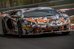 Lamborghini Aventador SVJ Nurburgring record attempt 5