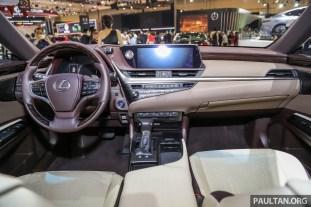 Lexus_ES_Int-2