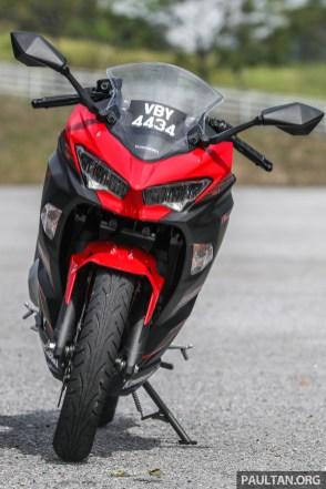 REVIEW: 2019 Kawasaki Ninja 250 - the Ninja attacks