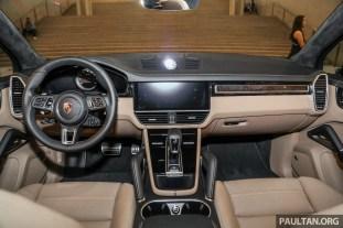 Porsche_Cayenne_Turbo_Pavilion_Int-2