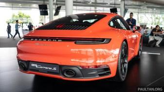 992 Porsche 911 Carrera 2S
