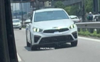 2019-Kia-Cerato-Malaysia-spyshots-2-BM