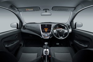 Interior_Dashboard-(1.0L-GXtra)