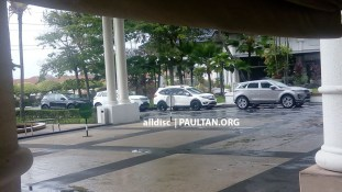 Second-gen Range Rover Evoque and Jaguar E-Pace spotted in Malaysia 4