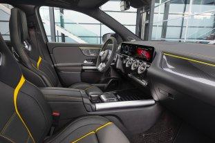 Mercedes-AMG-GLA-45-001
