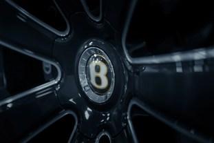 Bentley Bentayga V8 Design Series 23