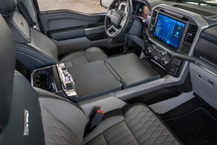 2021 Ford_F-150_036