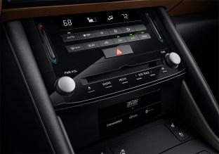 2021 Lexus IS_42