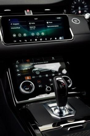 Range Rover Evoque 2020_official_BM-Centre Console