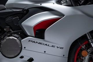 2020 Ducati Panigale V2 Star Silk White - 19