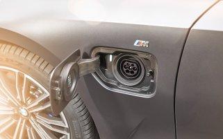 G20 BMW 330e M 03