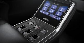 Lexus LM 350 11