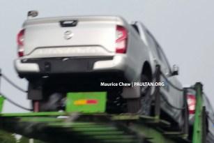 2021-Nissan-Navara-Spy-Msia-2