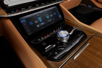 All-new 2022 Grand Wagoneer features a 10.25-inch horizontal comfort display touchscreen below the Uconnect 5 12-inch touchscreen radio.