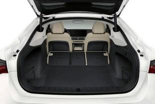 BMW i4 interior leaked (4)