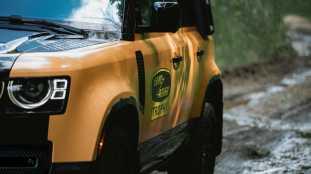 Land-Rover-Defender-Trophy-Edition-8_BM