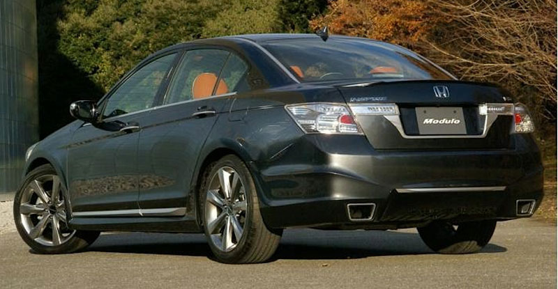 2011 Honda Touring Features Odyssey