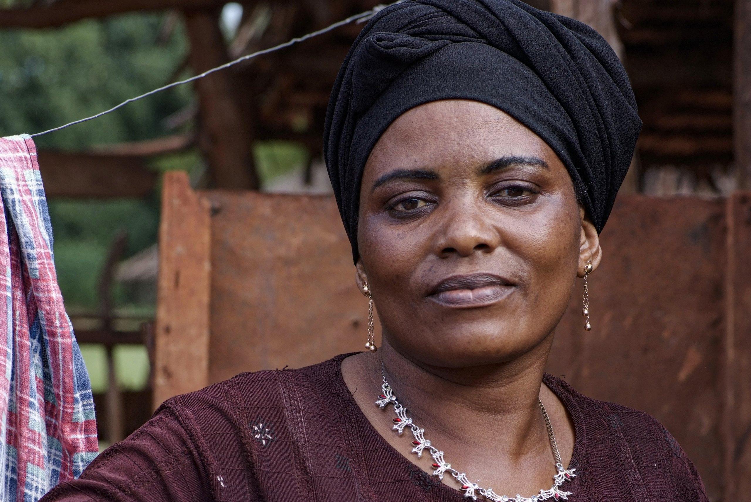 38 05 boerin trotsevrouw Mwajuma Abdalah Maramba Tanzania 6212 scaled