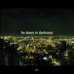 Moby estrena el video de 'Lie Down in Darkness'