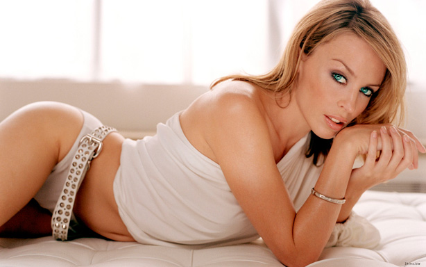 download-kylie-minogue-into-the-blue