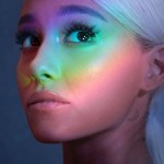 Ariana Grande estrena un vídeo vertical para No Tears Left To Cry