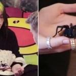 Billie Eilish se sube al Carpool Karaoke, muestra su casa y presenta a su mascota