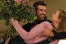 Bridget (Renée Zellweger) auf dem Arm von Jack (Patrick Dempsey)
