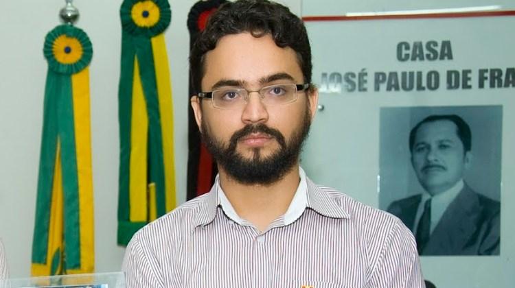 Vereador Tibério Limeira lança nota em solidariedade a João Azevedo