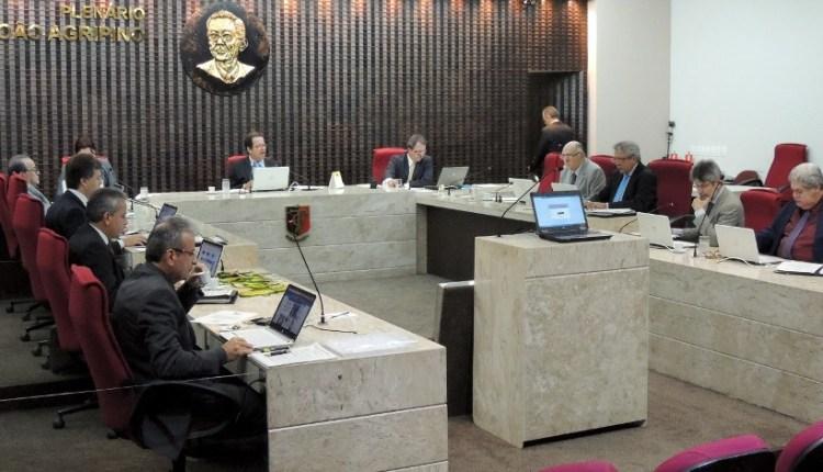 TCE envia a gestores decisão sobre irregularidade de pagamento a agentes públicos afastados