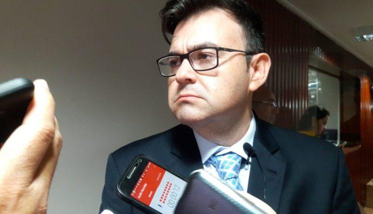 Raniery insinua que Ricardo Coutinho sacou indevidamente R$ 88 milhões da PBPREV