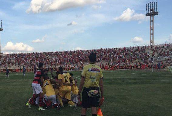 Confira os resultados dos jogos do Paraibano neste domingo; Raposa é líder