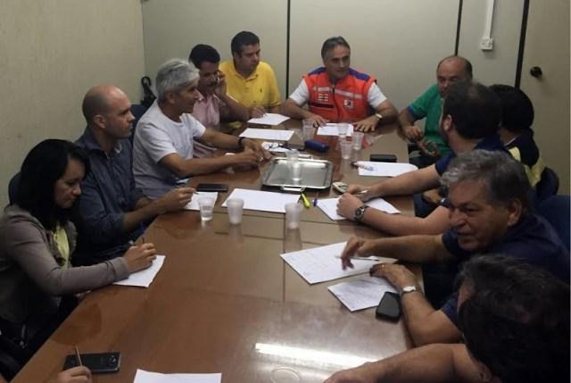 Cartaxo reúne secretários e Defesa Civil para discutir transtornos com as chuvas