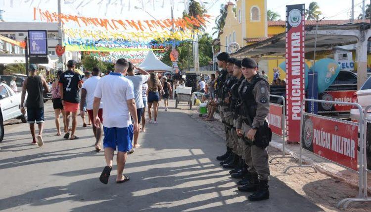 Polícia apreende mais de 20 armas de fogo, recupera veículos roubados e apreende 33 explosivos
