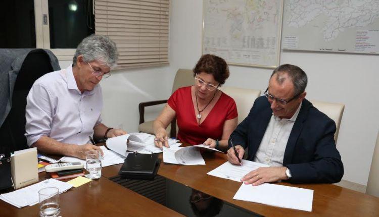 RC assina Protocolo de Intenções com empresa que vai se instalar no Conde
