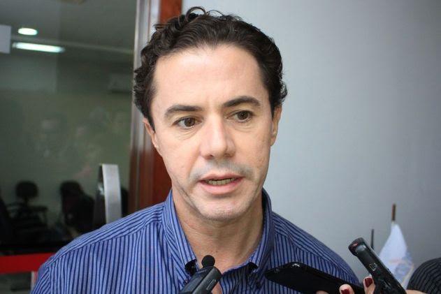 TCHAU: Veneziano deixa MDB de Maranhão e deve comandar o Podemos na Paraíba