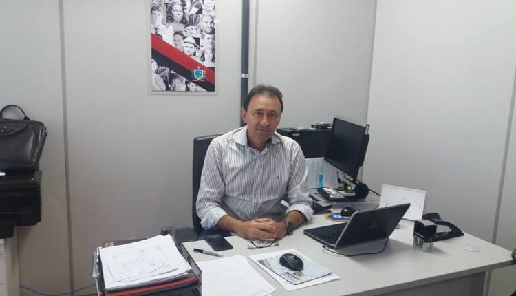 Ricardo anuncia nomes dos novos secretários para compor sua gestão