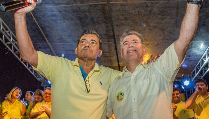 Vereadores de Cabedelo aprovam afastamento do prefeito preso Leto Viana